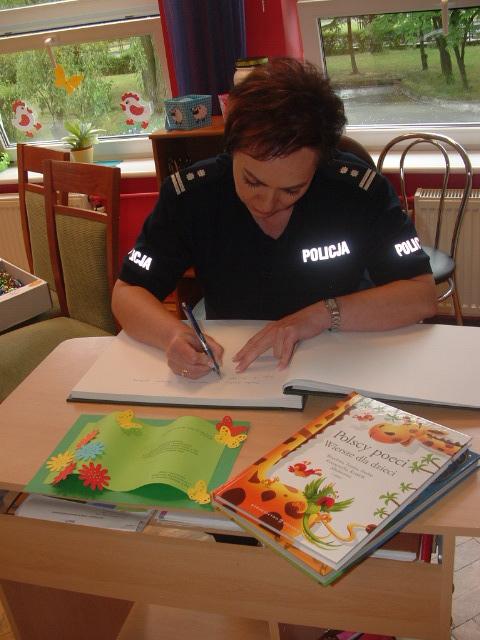 czytanie_bajek_pila_policja